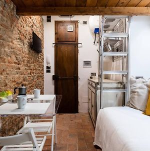 Cozy Central Dante Studio With Ac Near Santa Croce & Dome photos Exterior
