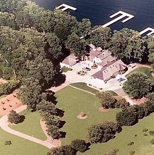 Beautiful Lake Front Home On 5 Acres... Weddings, Events, Multi Family Vacations Property Overview photos Exterior