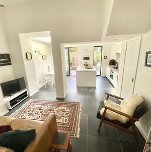 Stunning Apartment With Garden In The Heart Of Hackney, East London photos Exterior