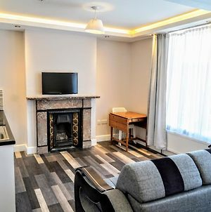 Peaceful Double Studio Flat // All Furnished // At The Heart Of London photos Exterior