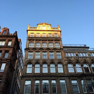 Stunning City Centre Location 3 Bed 3 Bath Serviced Apartment Available Daily Weekly Monthly photos Exterior