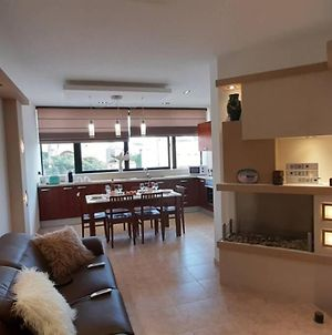 Luxury Apartment Less Than 5 Minutes Walk From The Beach photos Exterior