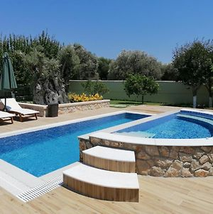Villa Mata - 600M² With Private Pool And Jacuzzi photos Exterior