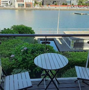 Superb Deluxe Waterfront 2 Bedroom Apartment photos Exterior