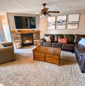 Remodeled Summit Condo At Snowshoe! Stay Luxurious photos Exterior