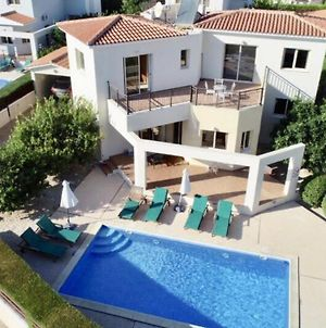 Holiday Villa With Pool And Sea View! photos Exterior