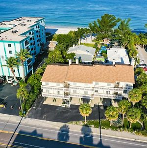 Beautifully Updated, Ocean Side, 2 Bedroom Condo, 100 Steps From Indian Rocks Beach photos Exterior