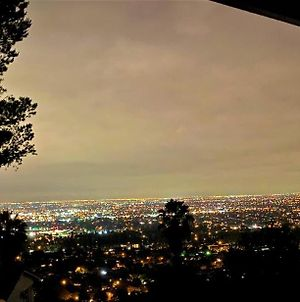 Spectacular Home With Breath Taking Views Of La, Heated Outdoor Jacuzzi & Waterfall photos Exterior