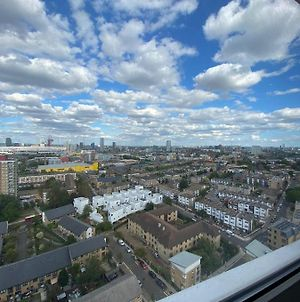 Double Room In Bow, Amazing Olympic Park Views! photos Exterior