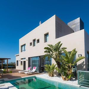 Luxury Villa With Swimming Pool And Amazing Views photos Exterior