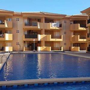 Spacious 2 Bedroom Apartment With Communal Pool photos Exterior
