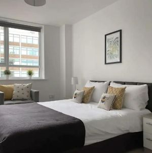 Modern & Bright Apt With Free Parking! - Sleeps 3 photos Exterior