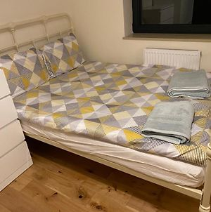 Comfortable & Peaceful Double Studio Flat // All Furnished // At The Heart Of Dalston photos Exterior