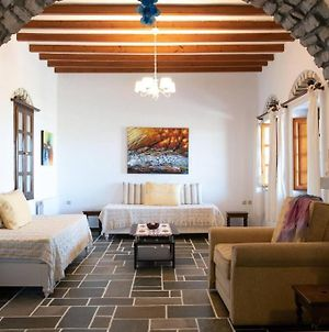 Traditional Stonehouse For 4 Ppl In Paros photos Exterior
