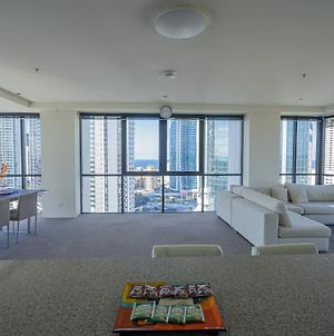 270 Degree Water/City/Mt View Modern Apartment-Surfers Paradise photos Exterior