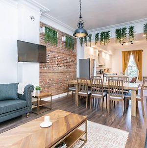 Wonderful Renovated Two Storey Victorian Apartment photos Exterior