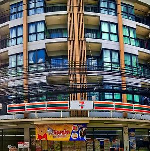 From Mrt Huai Khwang Walk 4 Minute, Cozy With Private Bathroom And Balcony photos Exterior