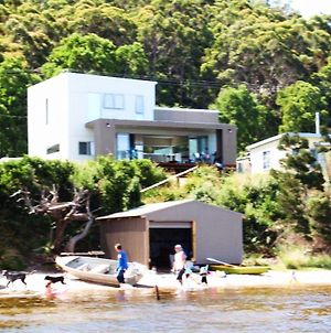 Amazing Ansons Bay Absolute Waterfront Beach House photos Exterior