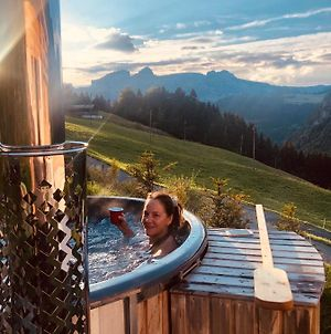Boutique Chalet Panoramic Views Hot Tub photos Exterior