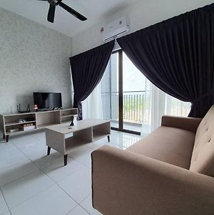 Faizul Homestay B0602 Hotdeal At Lili Condo Nilai photos Exterior
