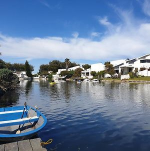 Boutique Accomodation On The Water In Marina Da Gama, Muizenberg, Cape Town photos Exterior