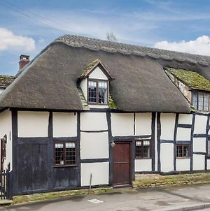 Cotswold Thatched Cottage photos Exterior