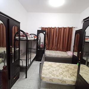 Bed Space For Males Near Metro Station photos Exterior