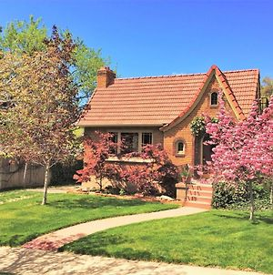 6-Bedroom Tudor In The Downtown Historic District photos Exterior