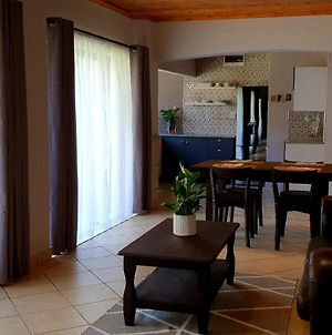 Luxury Apartment With Pool 2Min Drive From Beach photos Exterior