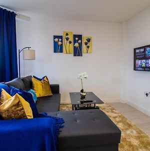 Virexxa Bedford Centre - Alpha Suite - 2Bed Flat With Free Parking & Gym photos Exterior