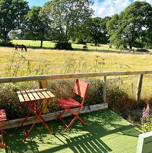 Holly Tree Cottage - 3 Bedrooms And Large Garden With Optional Glamping Double Outside photos Exterior