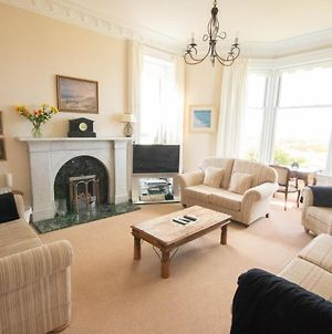 Beachfront Holiday Home With Stunning Views In Troon Ayrshire photos Exterior