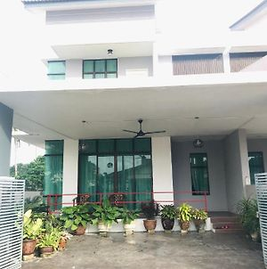 Ilham Bonda Homestay photos Exterior