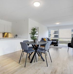 New Apartment With Balcony & Best Location In Cph photos Exterior