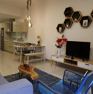 Geniehome 3Br Free 90Mbps Wifi And 2 Carpark At Utropolis Suite Shah Alam photos Exterior