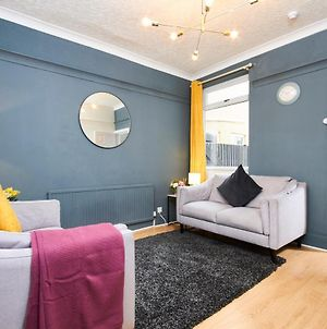 Ideal House In Doncaster -Sleeps 8 -Free Parking photos Exterior