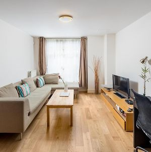 Homely 1-Bed Flat In Queensway, West London photos Exterior