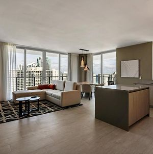 2Br Corner Unit With Stunning Beach And City Views photos Exterior