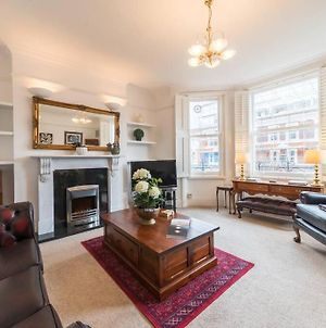 A Very English 2 Bedroom Flat In Fulham photos Exterior