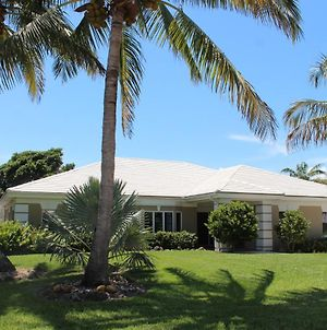 Verobeachvilla Florida Coastal Contemporary Luxurious 4Br Pool Spa Vacation Rental Villa photos Exterior