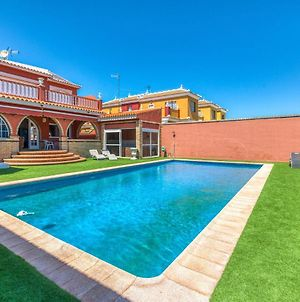 Relaxing Villa In Matalascanas With Jacuzzi And Sauna photos Room