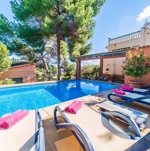 Buger Holiday Home Sleeps 8 With Pool And Wifi photos Exterior