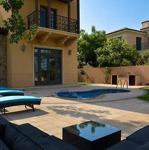 Luxury Jumeriah Golf Estates Villa With Private Pool photos Exterior