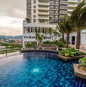 Luxurious 3-Bedroom Condominium Unit@Batu Maung photos Exterior