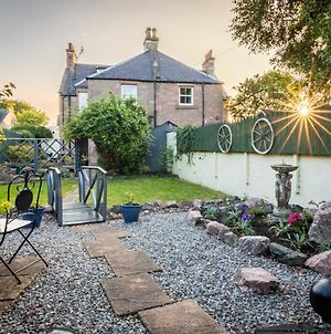 West Of The Ness - City Centre Home With 5 Bedrooms photos Exterior