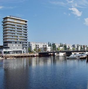 Central And Modern Apartment In Gavle photos Exterior