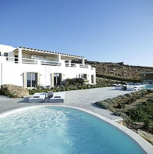 Villa In Paraga Sleeps 16 With Pool And Air Con photos Exterior