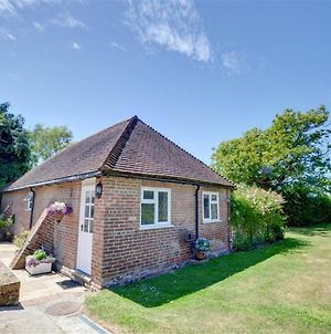 Lovely Holiday Home In Goudhurst Kent With Garden photos Exterior