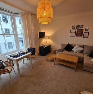 Centrally Located, Comfortable Apartment Near Station, Beach And North Laines photos Exterior