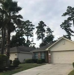 Spacious 3 Bed/ 2 Bathroom House In Conroe, Tx photos Exterior